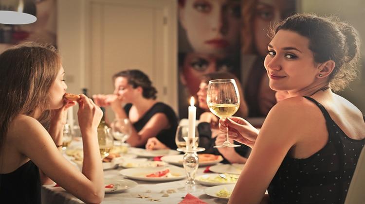Til at blive klar til at invitere vennerne på middag